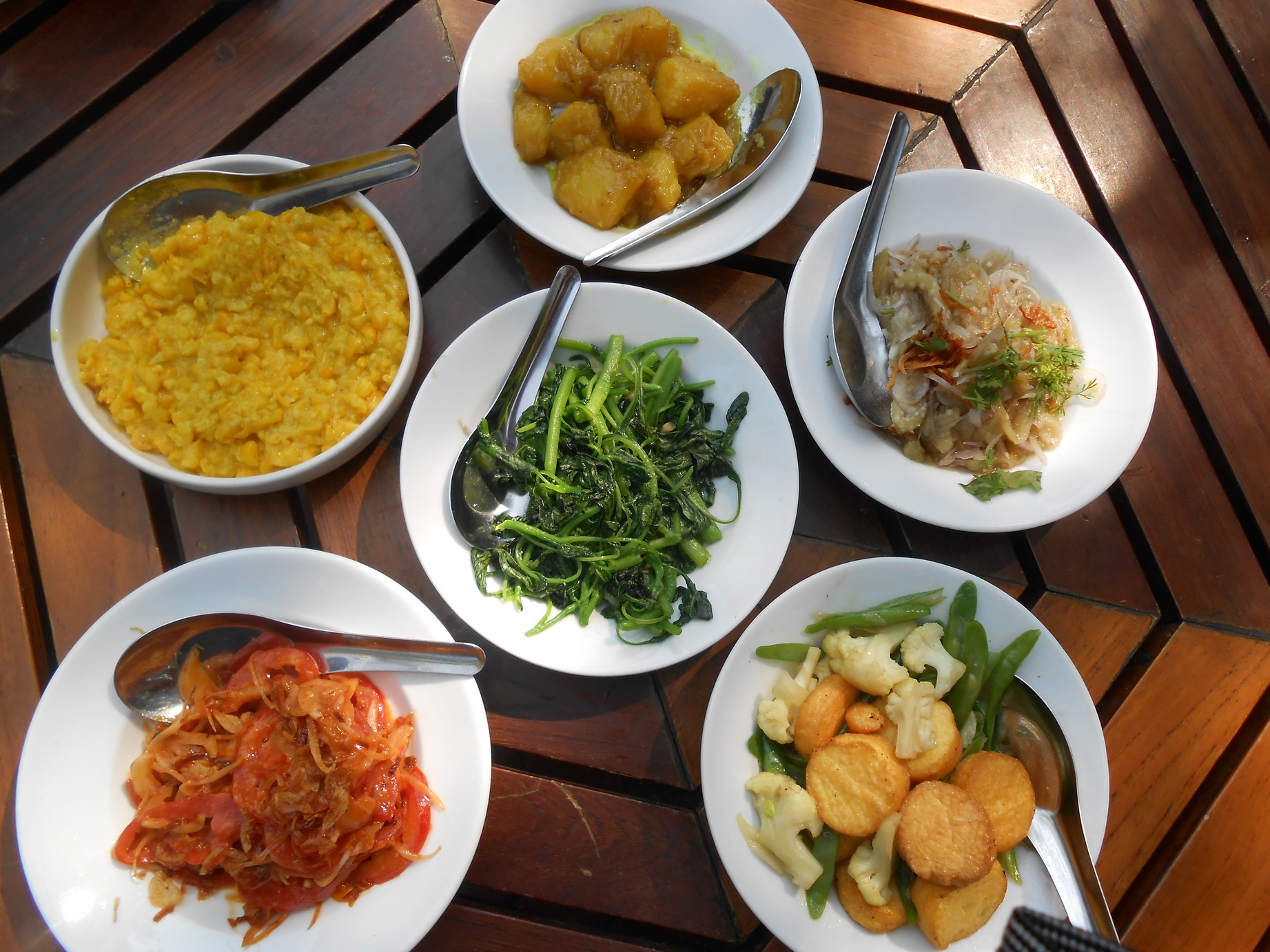 Myanmar notes from a big world varied side dishes and salad this was unexpected forumfinder Images