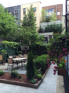 Communal Outdoor Space, pretty & peaceful